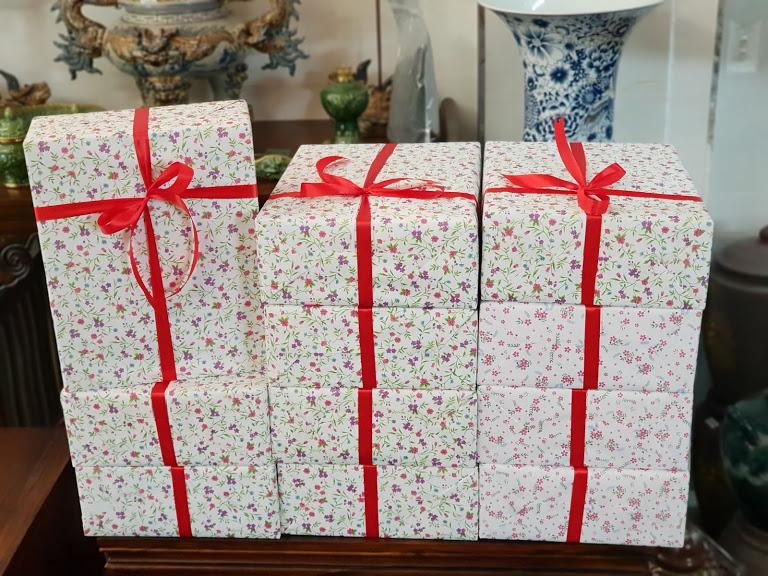 Miễn phí gói quà, tặng kèm thiệp theo yêu cầu